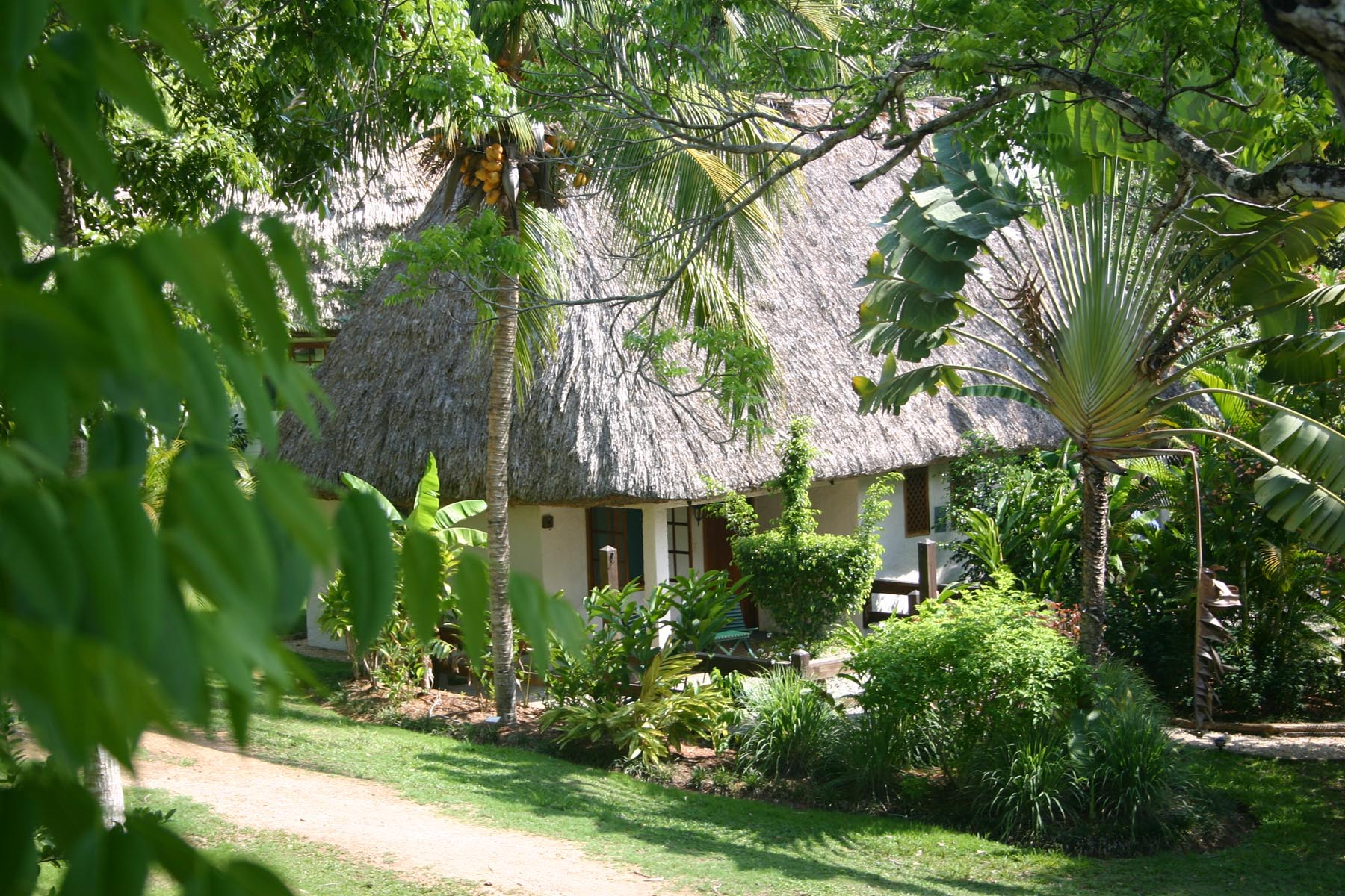 Exterior Standard Cottage2
