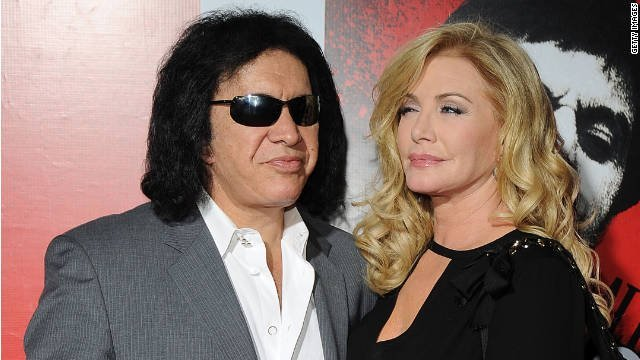 111002095557-gene-simmons-and-shannon-tweed-story-top