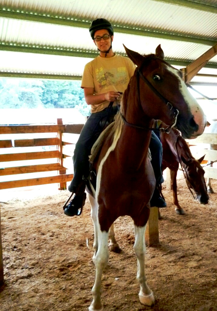 lorenzo horseback riding in belize