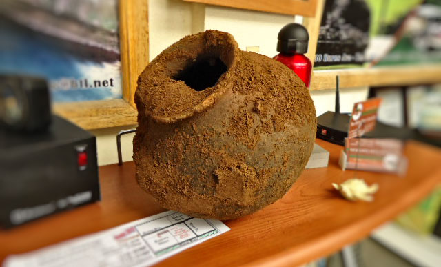maya-vessel-unearthed-san-ignacio-town-belize-2012