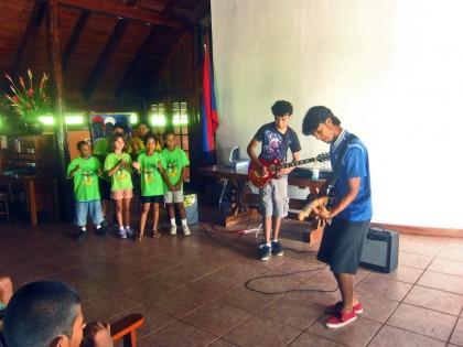Emmanuel & Eddie have the Eco Kids Singing Along!