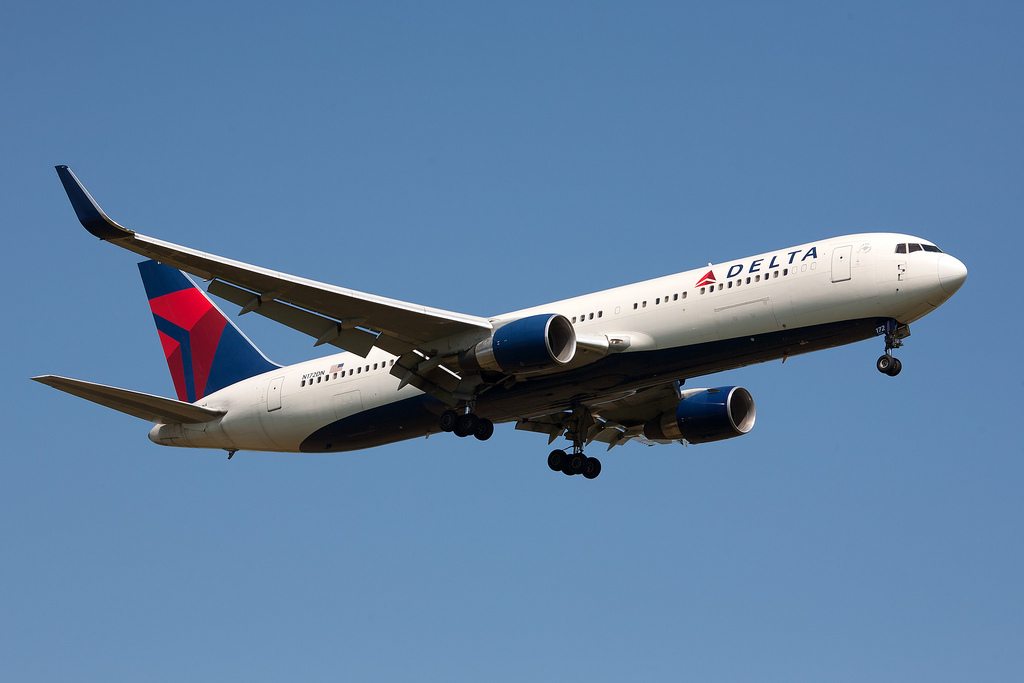 Delta-Airlines-Belize-Flight