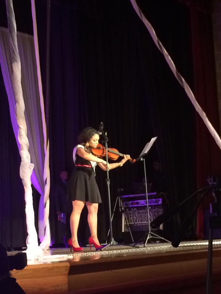 The beautifully talented Rheisha Shol plays the Violin!