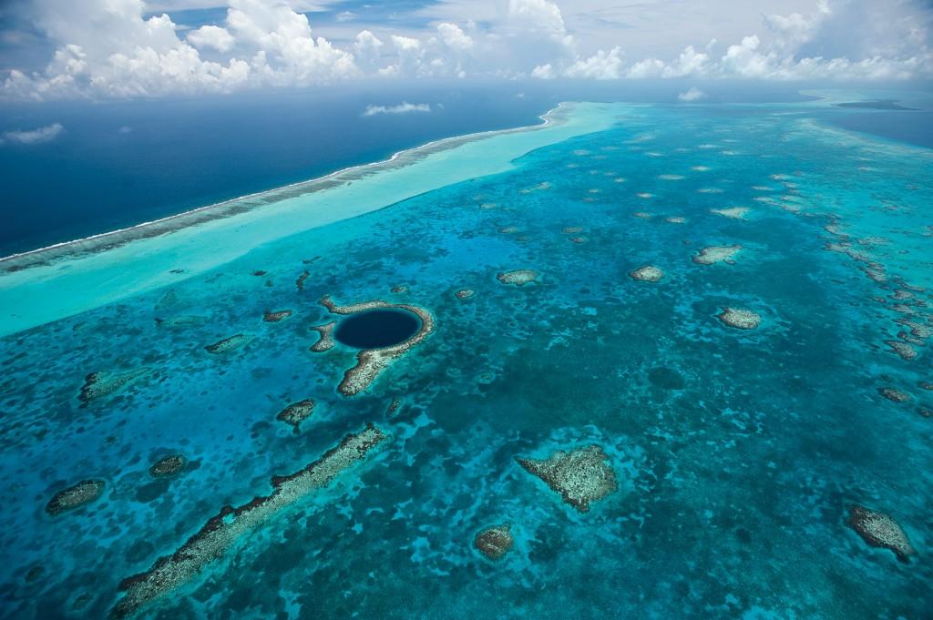 belize-great-barrier-reef-blue-hole