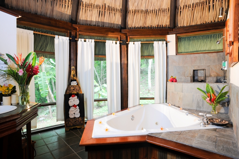 Belize-Chaa-Creek-Jacuzzi-Suite-accommodations