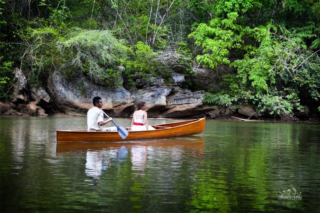 romantic-sunset-canoeing