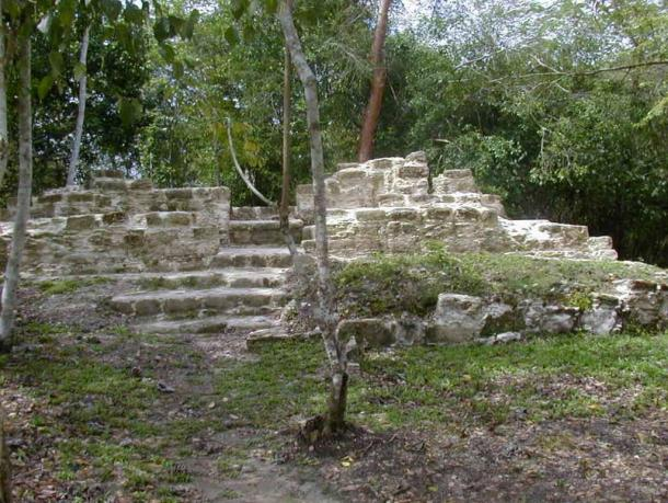 The-Maya-house-site-Tzunuun