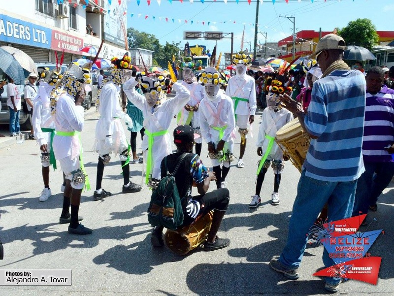 belize-carnival-road-march-2015-3