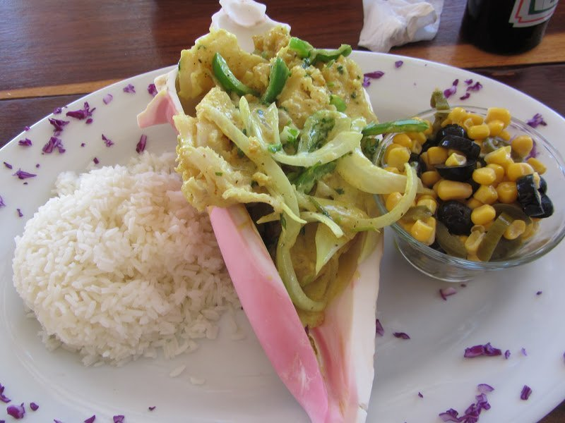 belize-conch-steak-with-white-rice