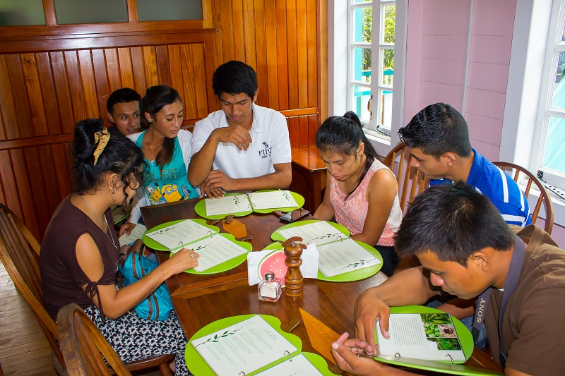 students-visit-guava-limb