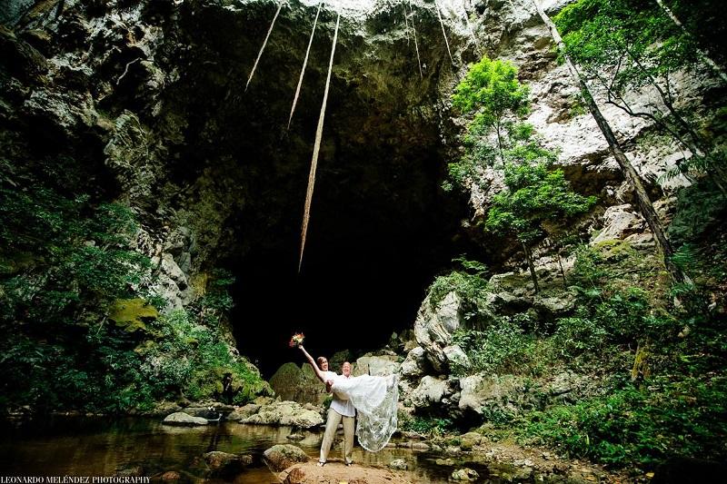belize-cave-wedding-photo