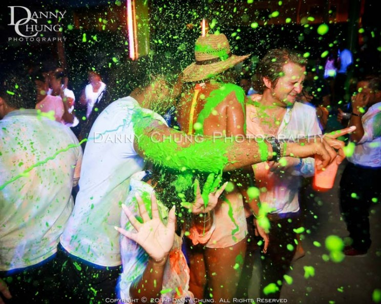 easter-in-belize-beach-party-1