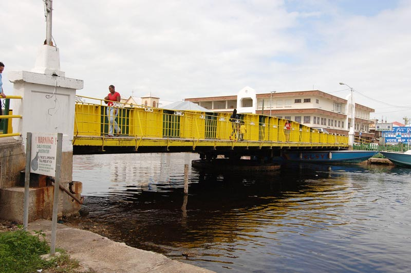 belize_city_guide_swing_bridge